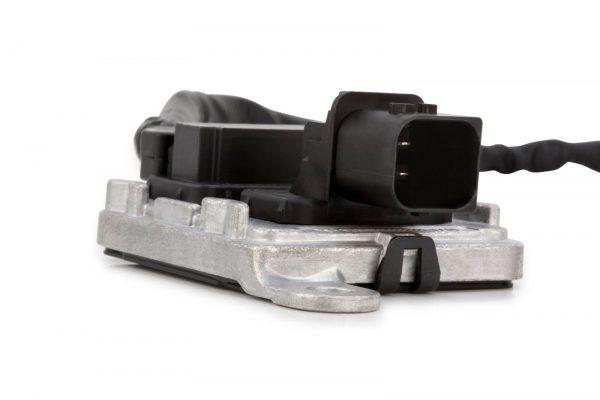 Zibbix NOx Nitrogen Oxide Sensor Inlet For DD13 DD15 DD16 Detroit Diesel